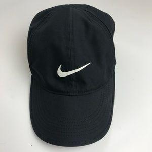 NIKE featherweight dri-fit runners & biking hat